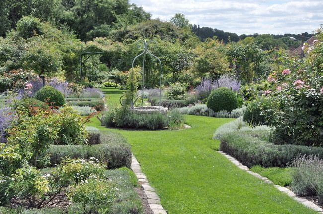 Beaux jardins de france flore de senlisse for Jardin romantique anglais